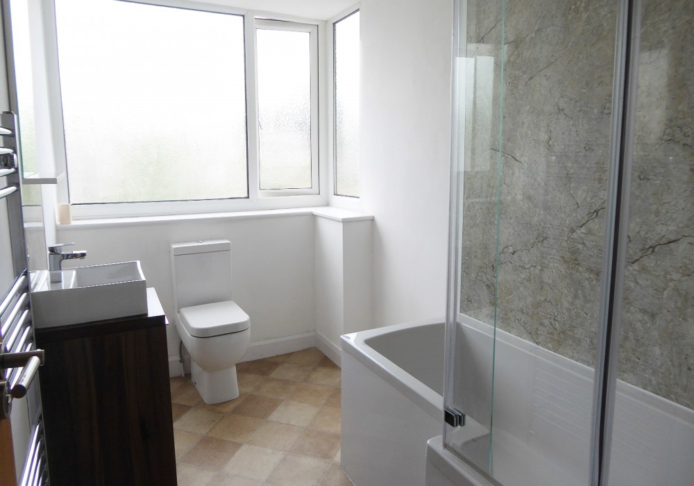 31 Ashford Rd Bathroom
