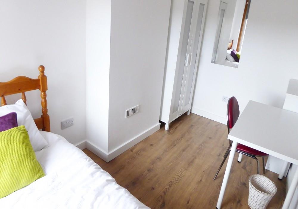 30 Gregson Bedroom 2