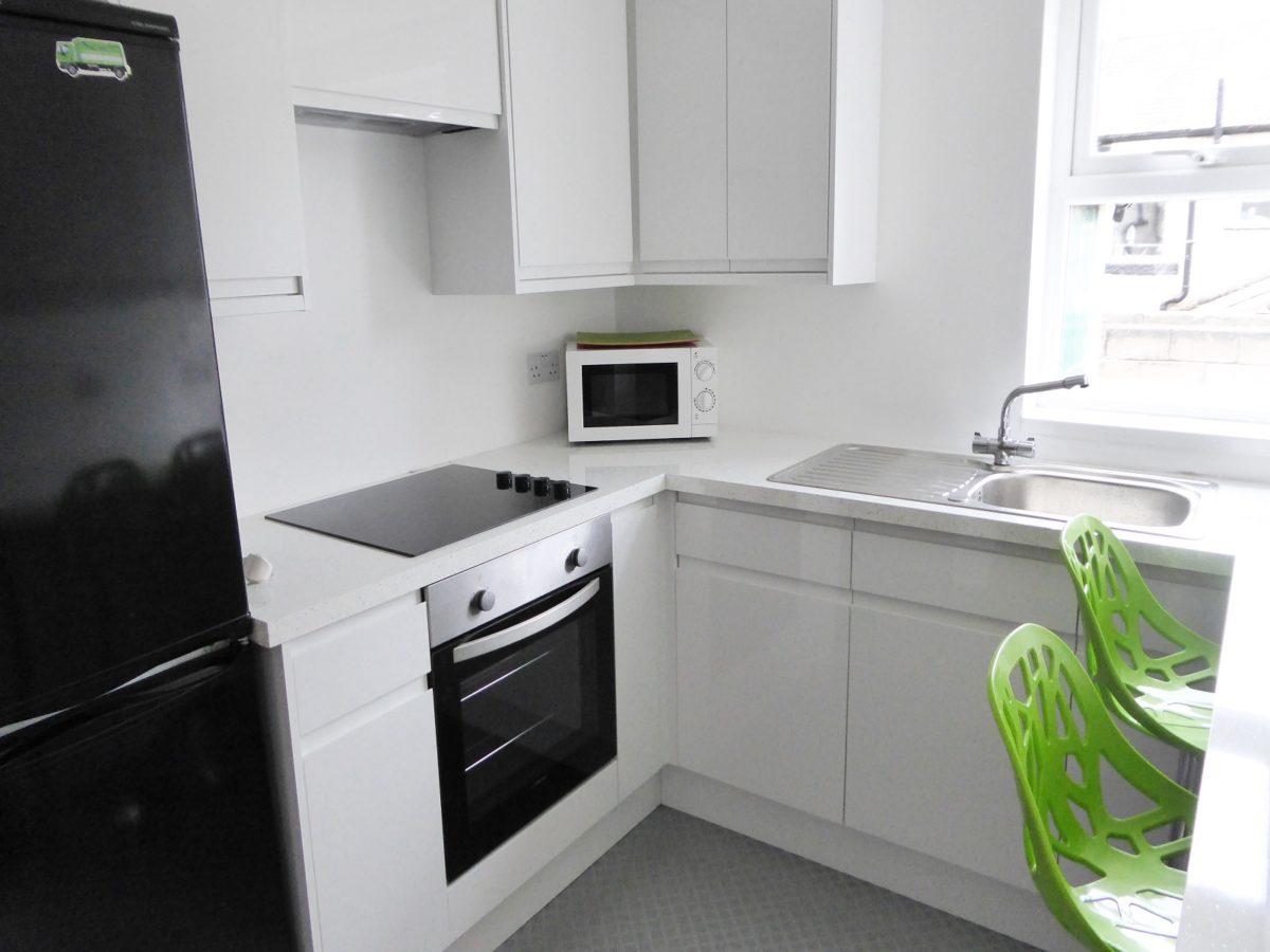 30 Gregson Kitchen