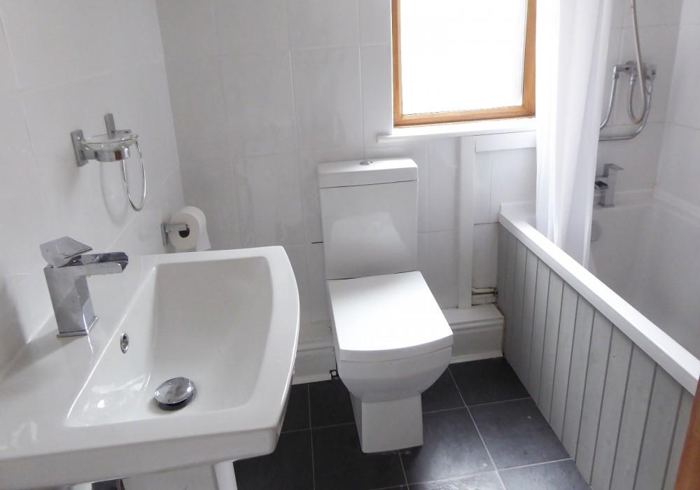 Ash Grove Bathroom