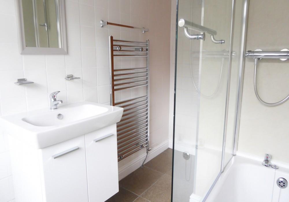 34 Gregson Bathroom1